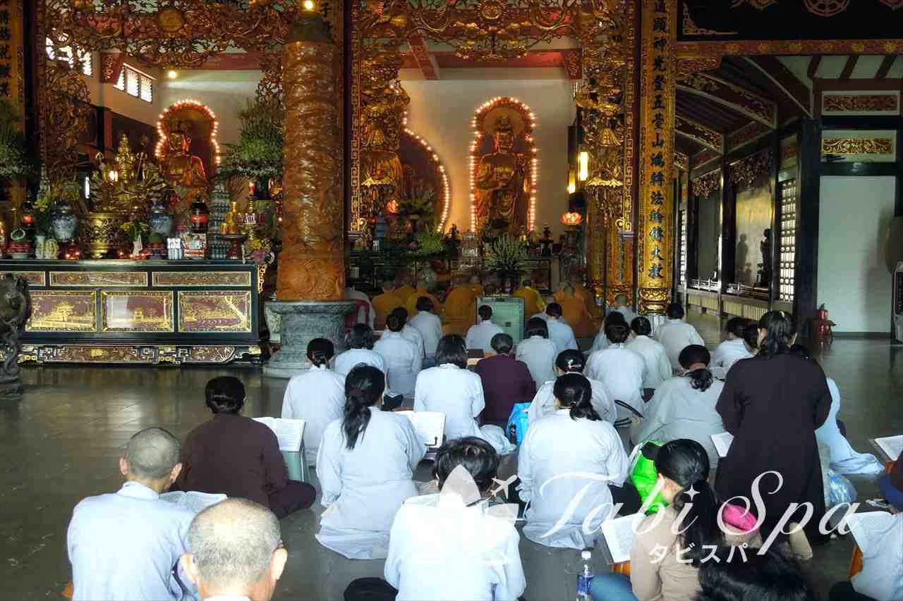 永厳寺の本堂内部
