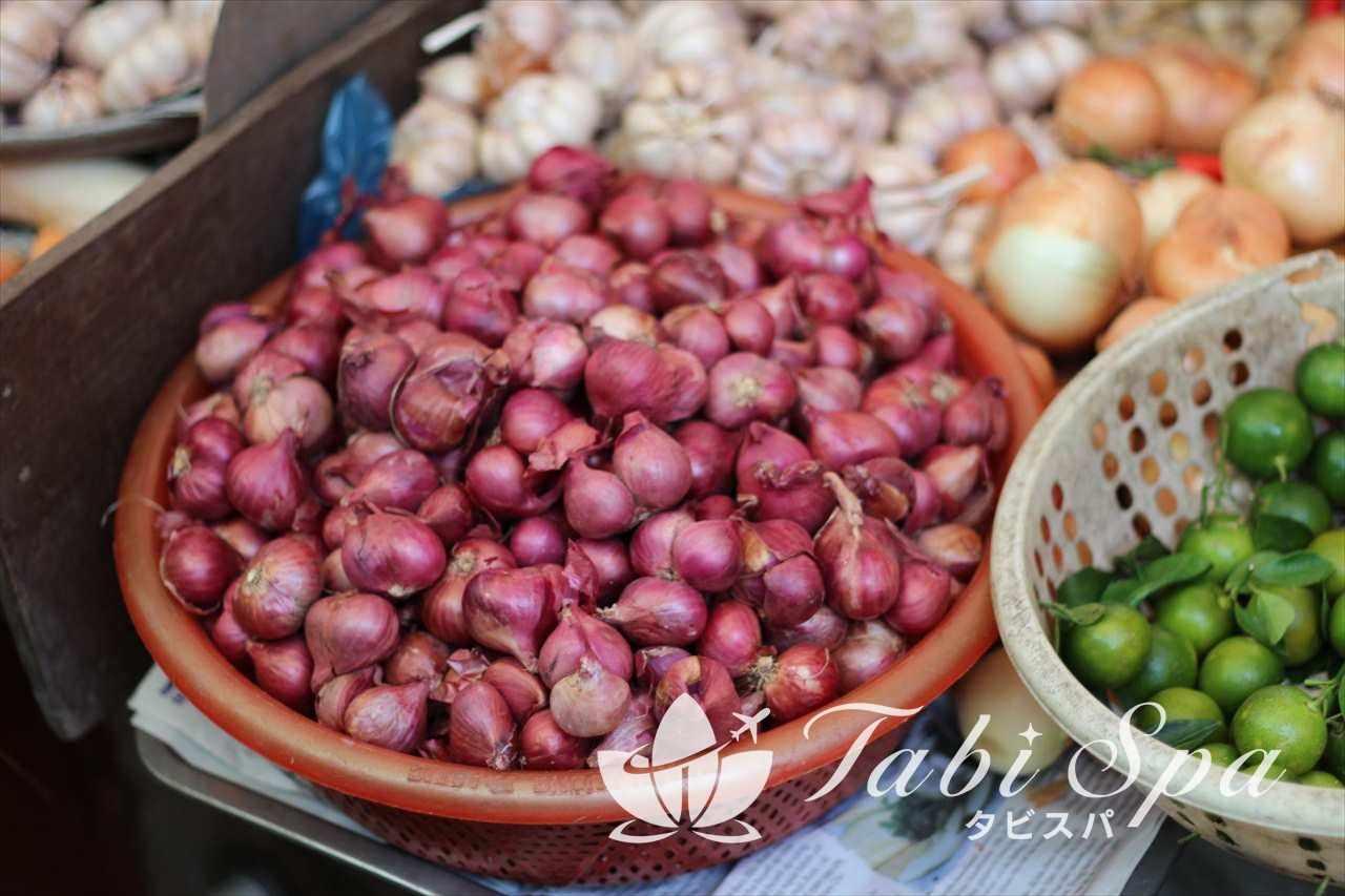 タイビン市場で売っている野菜
