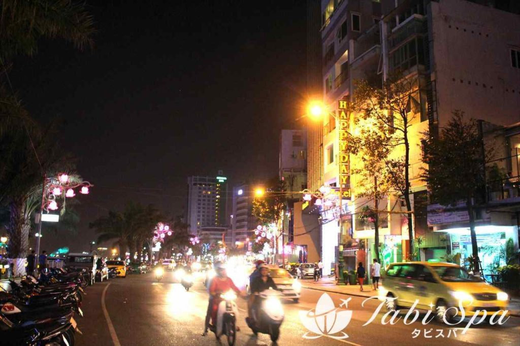 バクダン通りの夜