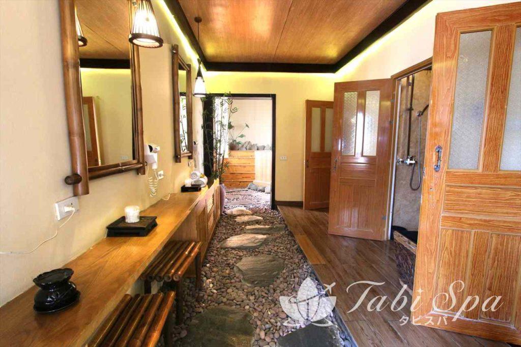別室のシャワールーム