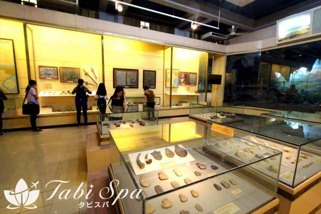 ベトナム国立歴史博物館の館内