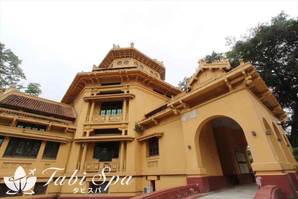 ベトナム国立歴史博物館の外観