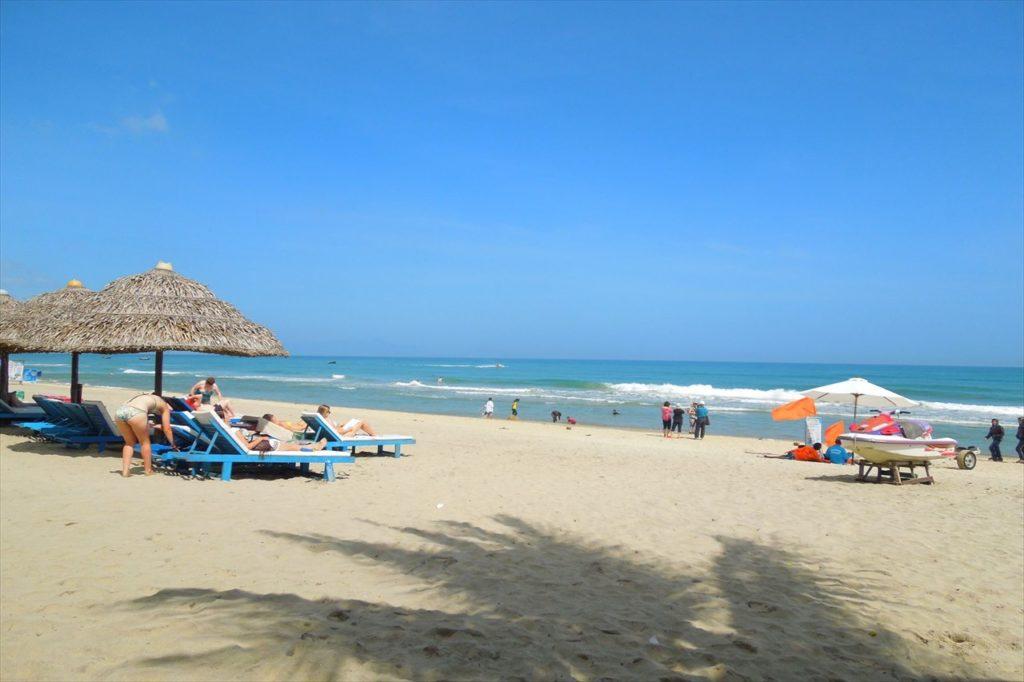 ホイアンのビーチ