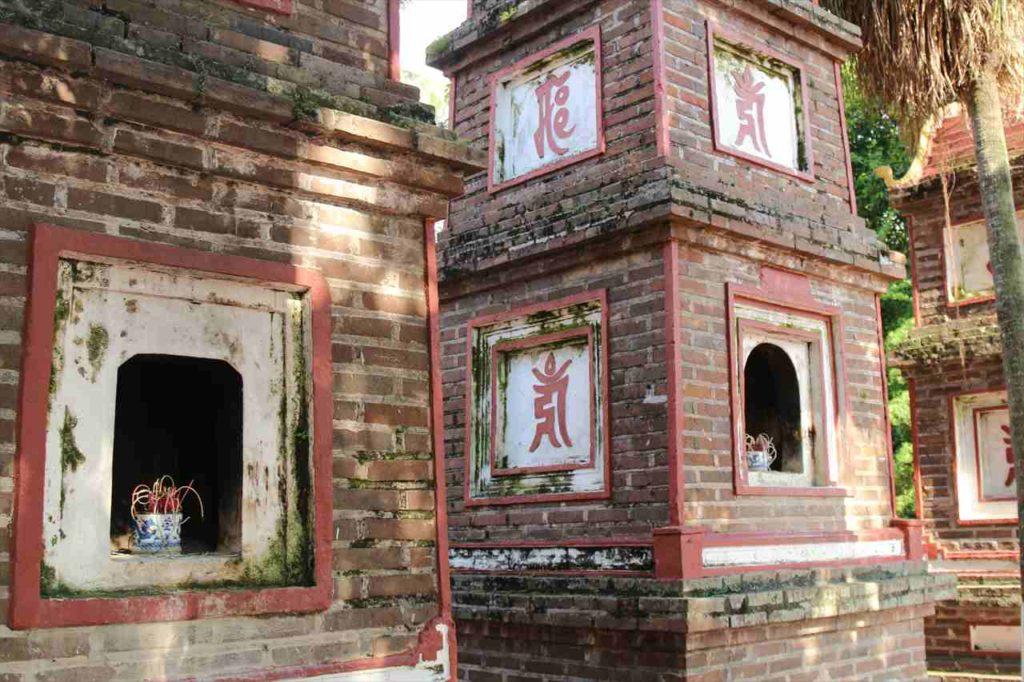 ハノイの鎮国寺の様子