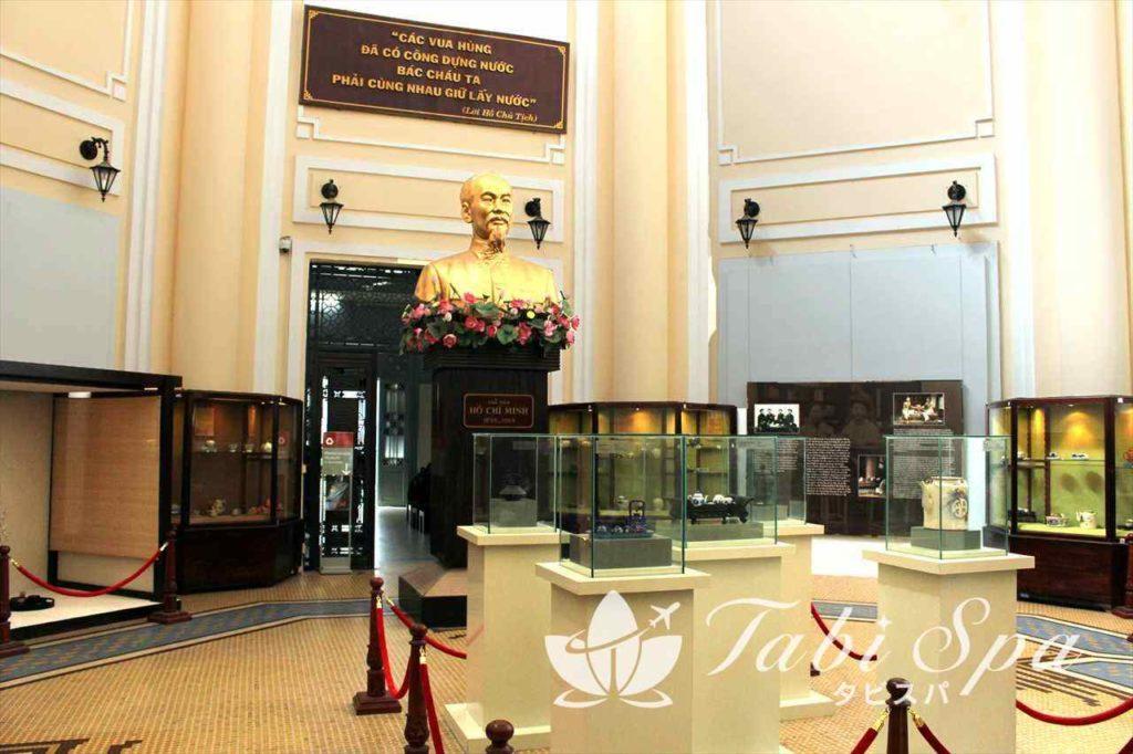 歴史博物館の館内1階