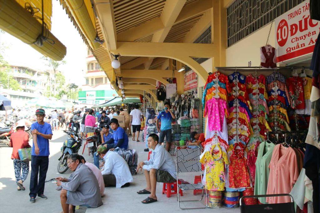 チョロンのビンタイ市場