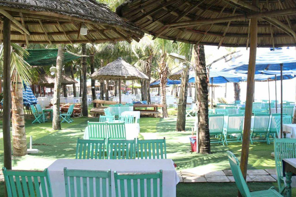 クアダイビーチの海沿いのレストラン