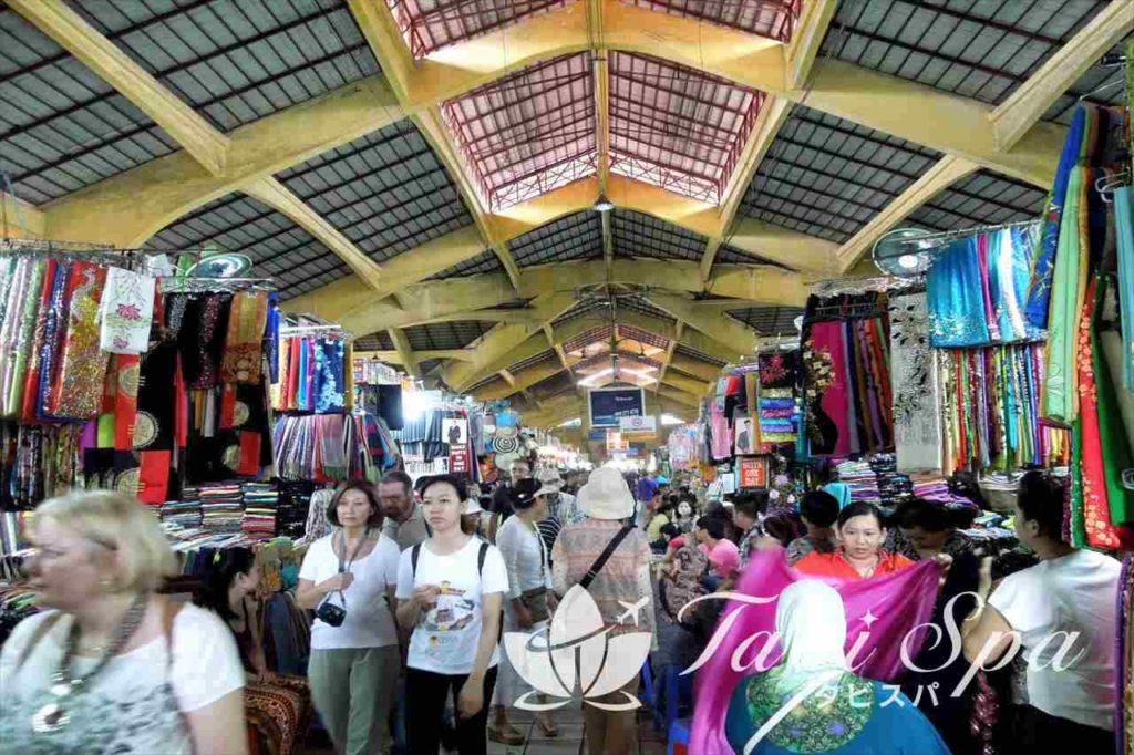 ホーチミンを代表する歴史ある屋内市場