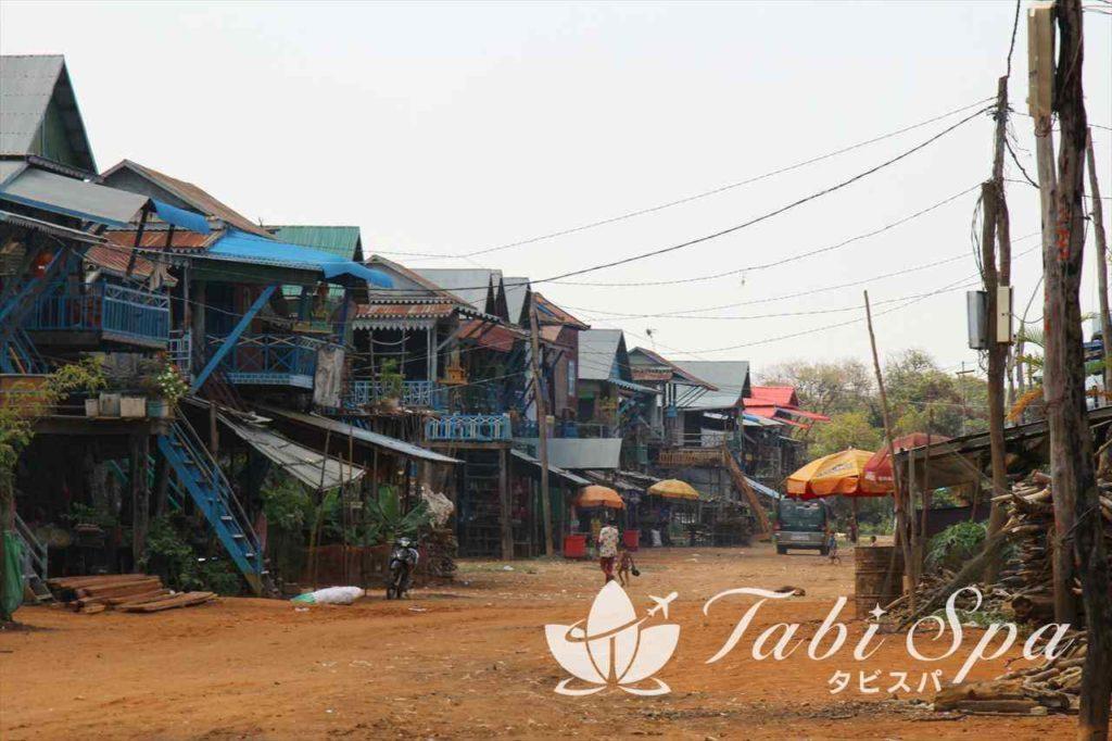 トンレサップ湖の村々