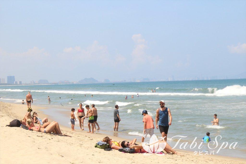 アンバンビーチの様子