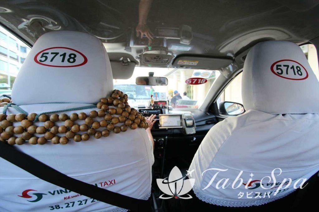 ベトナムのタクシー車内