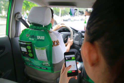 配車アプリ「Grab」を使う