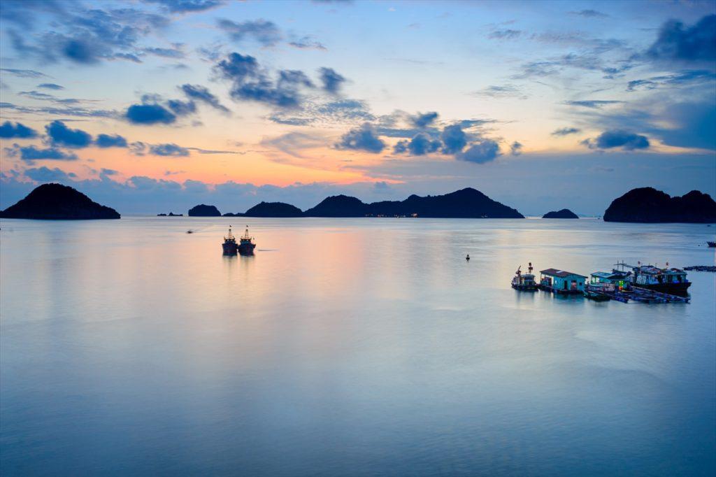 世界遺産のハロン湾