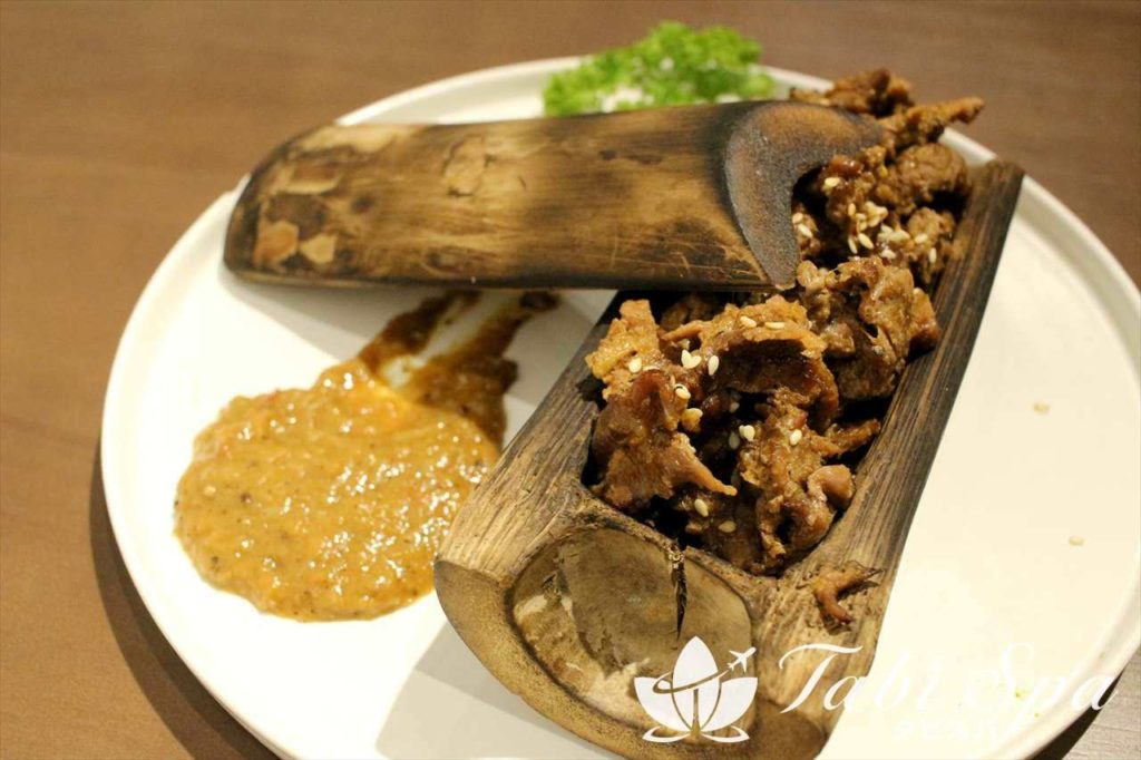 竹筒の牛肉とじ Bo Nuong Ong Tre