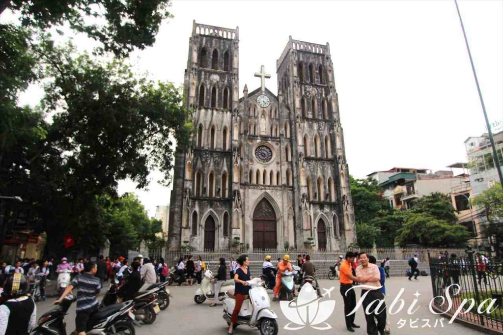 10:00〜11:00:ハノイ大教会の見学&お土産ショッピング