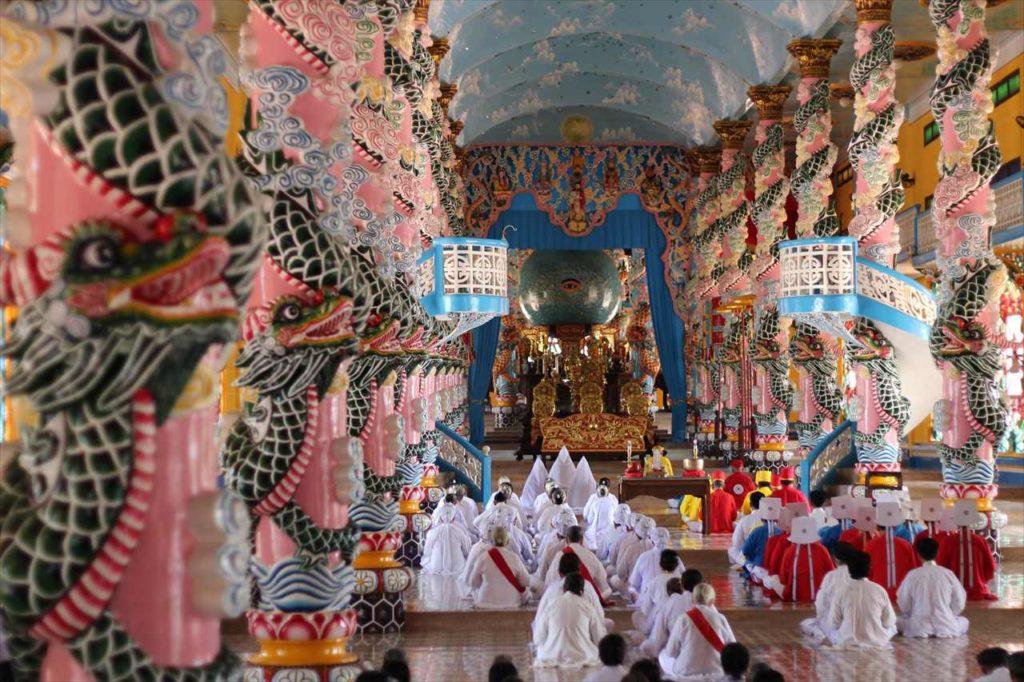 カオダイ教総本山の見学ツアー