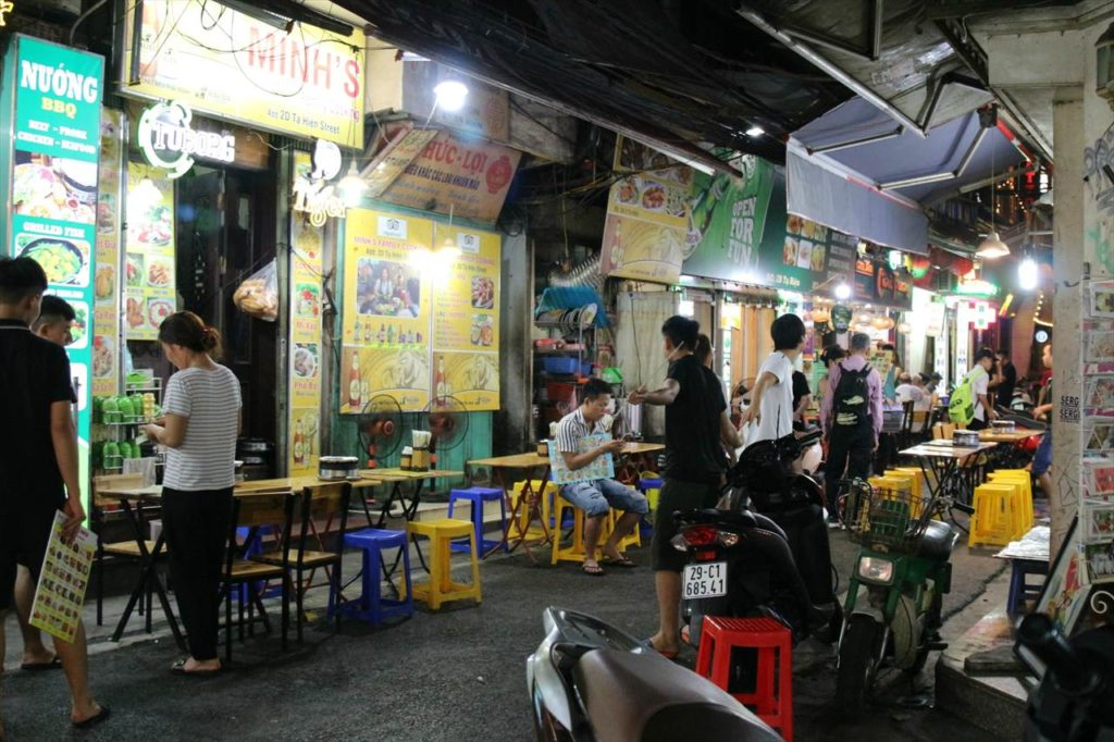 ターヒエン通りの様子