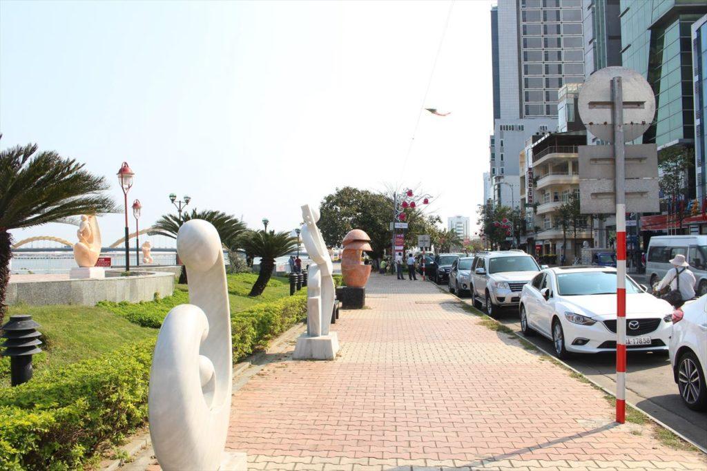 ダナンのバクダン通りの風景