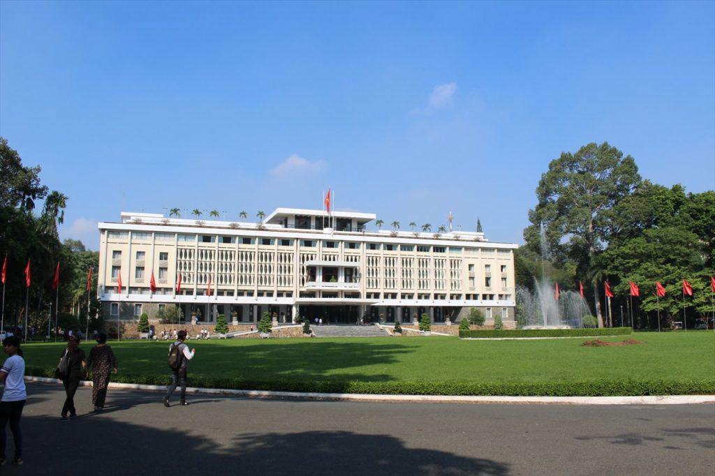 10:00~:ベトナム戦争終焉の場所「統一会堂」