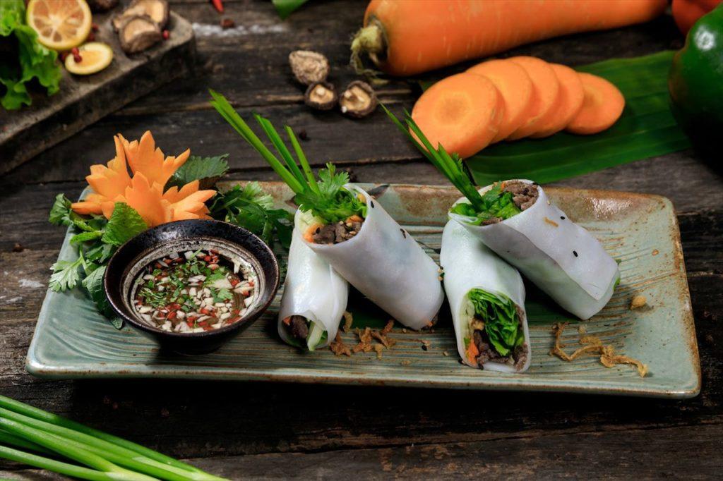 11:30:昼食はベトナム料理を堪能