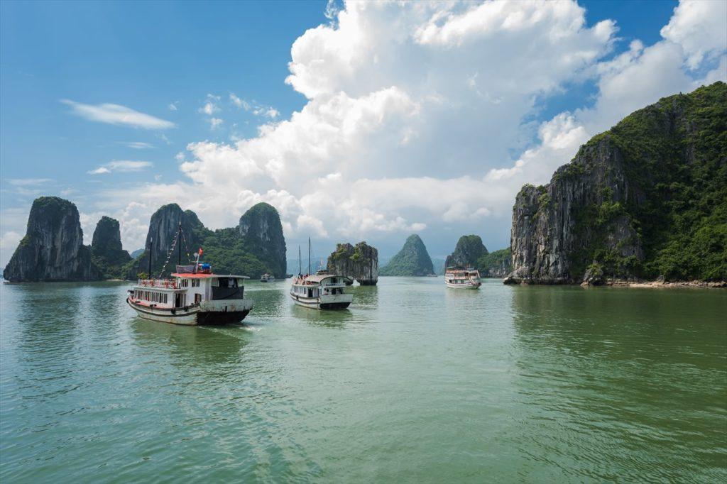 2日目:世界遺産ハロン湾orニンビン省チャンアンへ