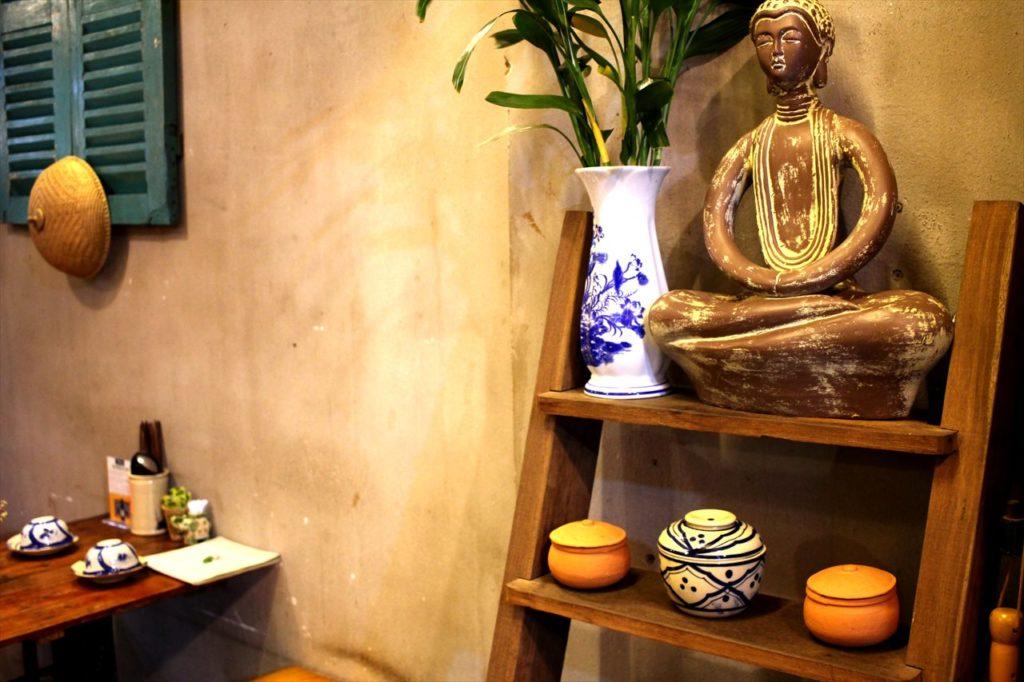 レストラン「ニャートゥ」の装飾