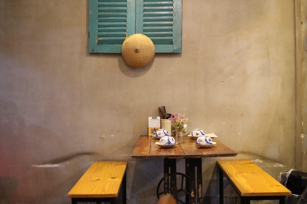 レストラン「ニャートゥ」の1階席