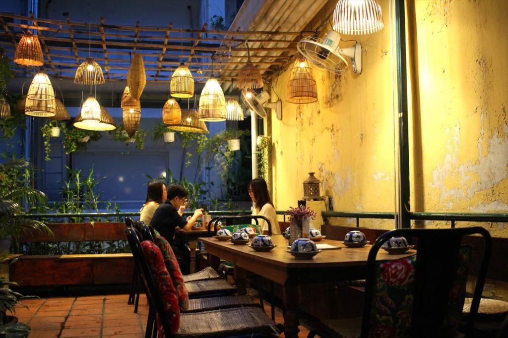 レストラン「ニャートゥ」の屋上席2
