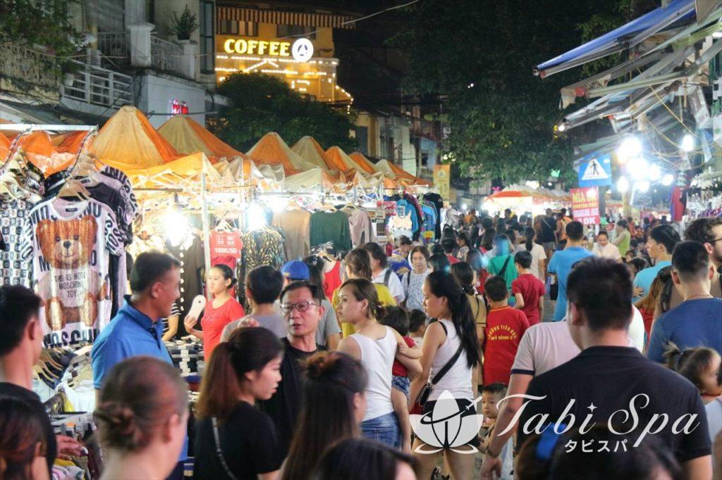 5位 毎週末ハノイ旧市街で開催!「ナイトマーケット」