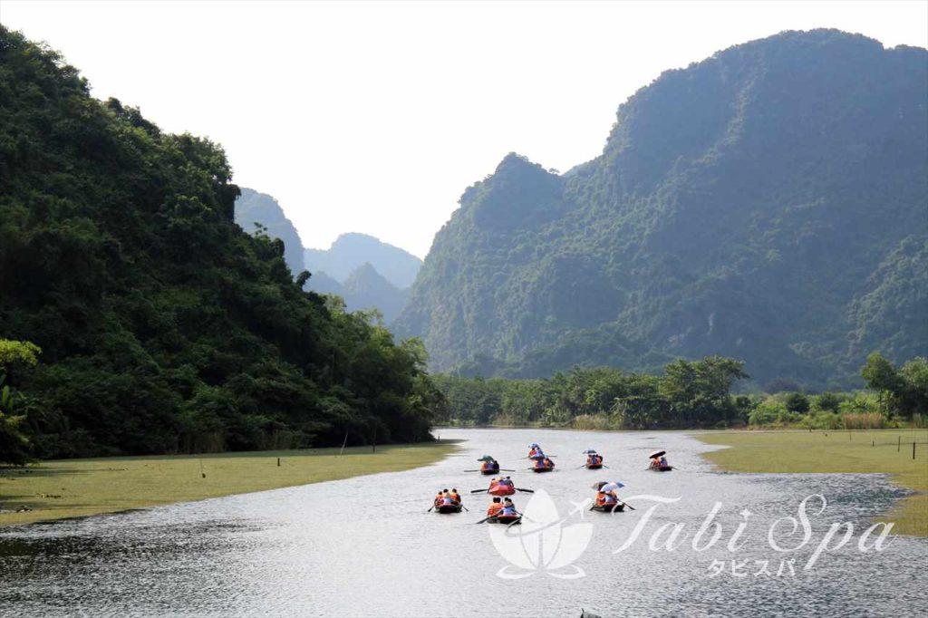 ボートツアーが人気のニンビン省チャンアンとタムコック