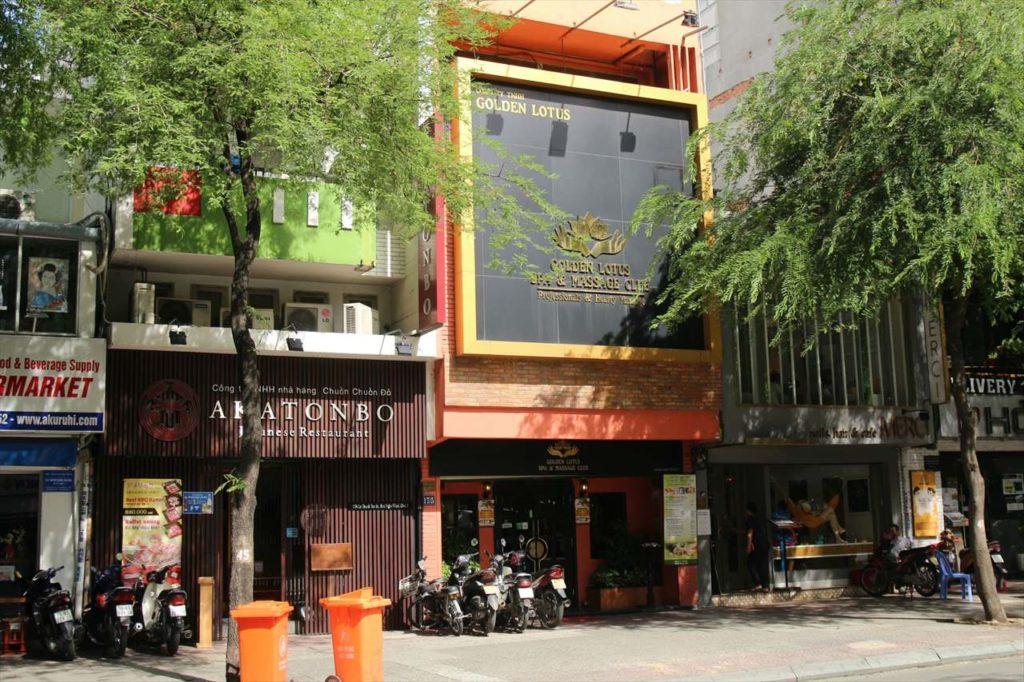 出張者や駐在員奥様方御用達のお店も「レタントン通り/日本人町」