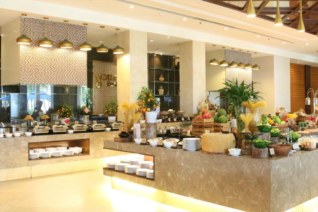 朝食ビュッフェやカフェ&レストランも楽しみ!