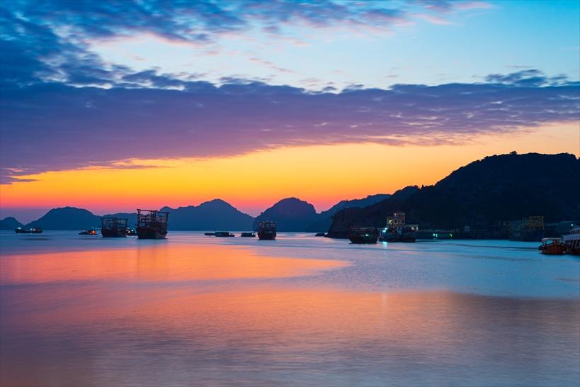 2.世界遺産ハロン湾の「夕暮れ」は要宿泊ツアー参加