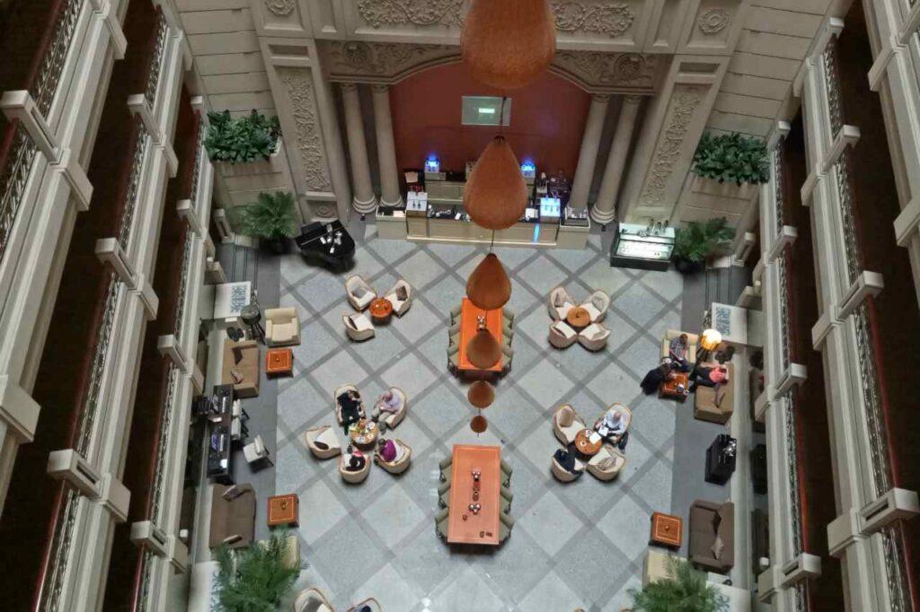 ルネッサンスリバーサイドホテルのアトリウムカフェ
