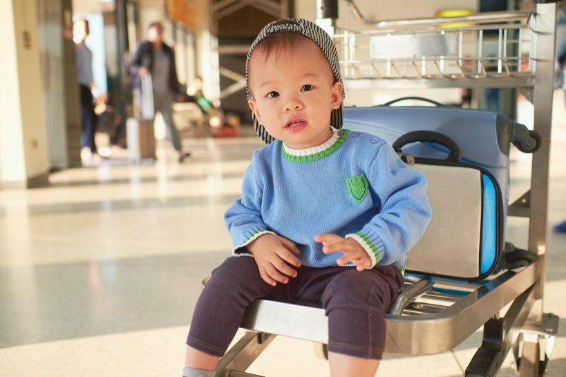 0~2歳までの赤ちゃんは航空券が無料&家族でプライオリティサービスを受けられる
