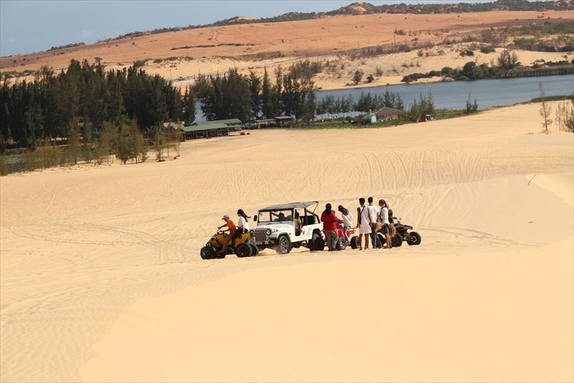 ベトナムのムイネーの白い砂丘
