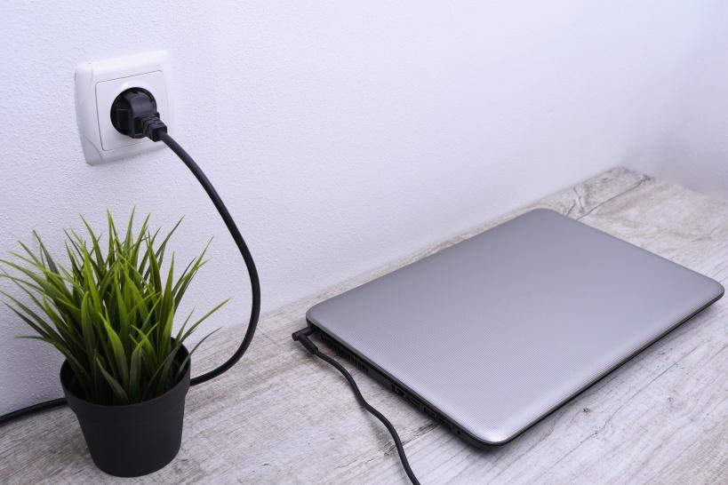 ベトナムの家電を日本で使うときは?コンセントと電圧の関係