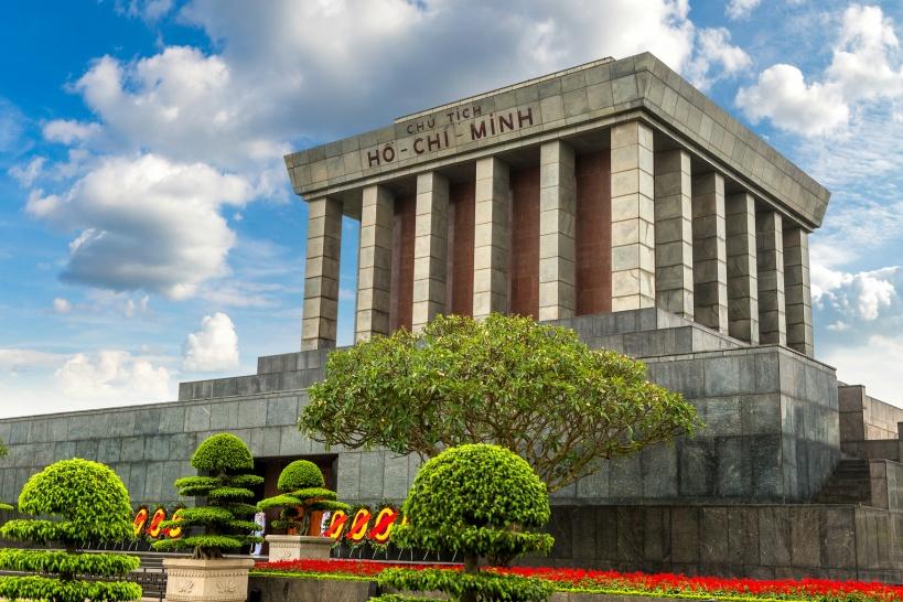 革命家ホーチミン氏の遺体が眠る「ホーチミン廟」