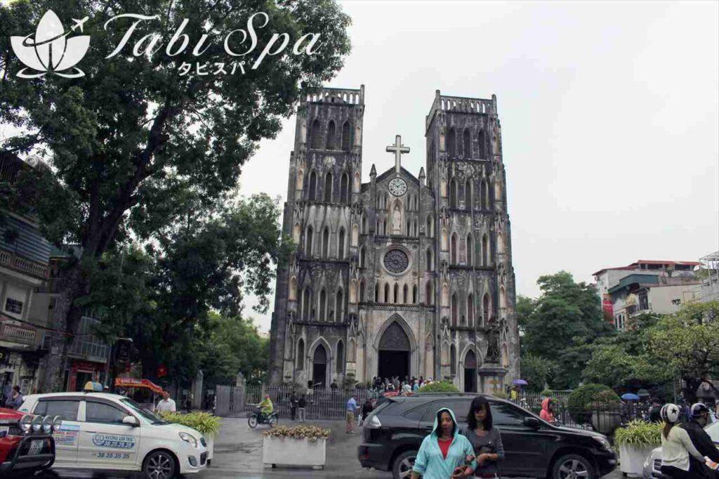 ※ホーチミン廟と一柱寺に行けないときは、ハノイ大教会を見学!