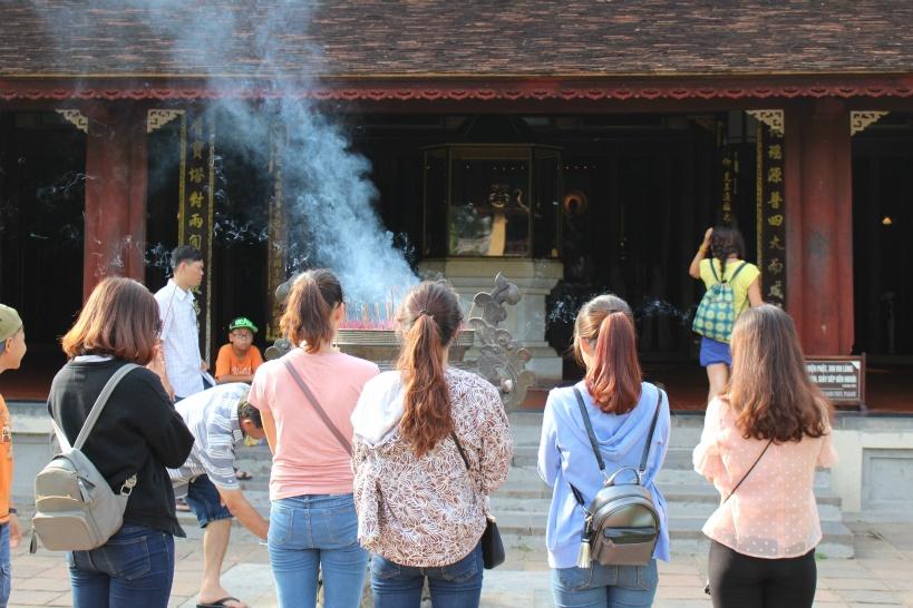 ティエンムー寺の参拝の様子