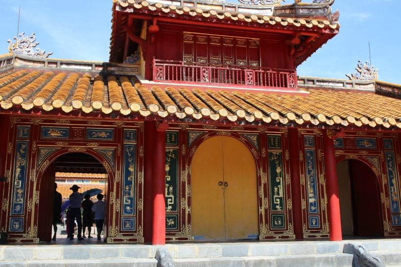15:30 フエの古きを感じる2代目「ミンマン帝廟」の見学