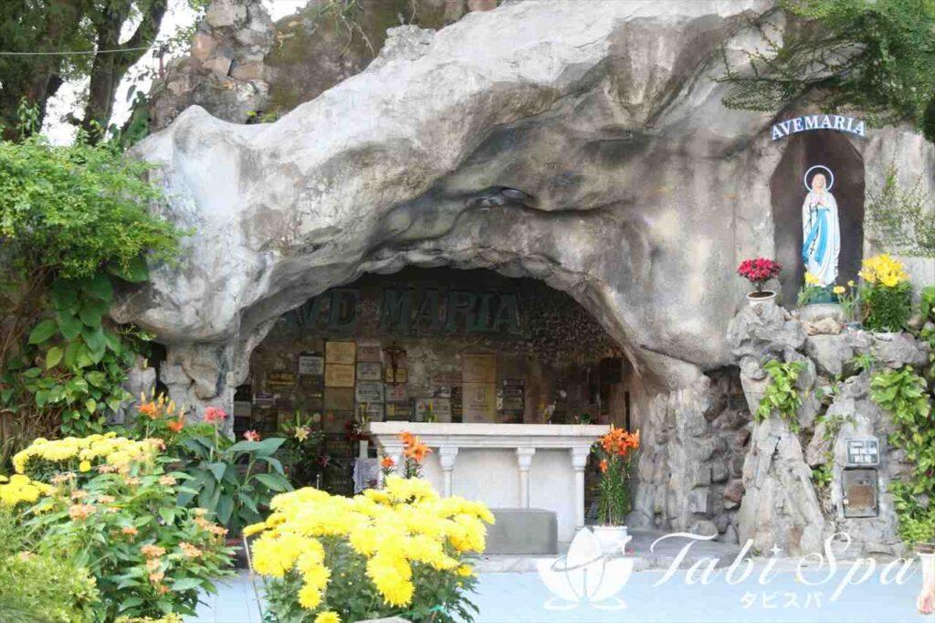 聖母マリアが出現したとされるルルドの聖母
