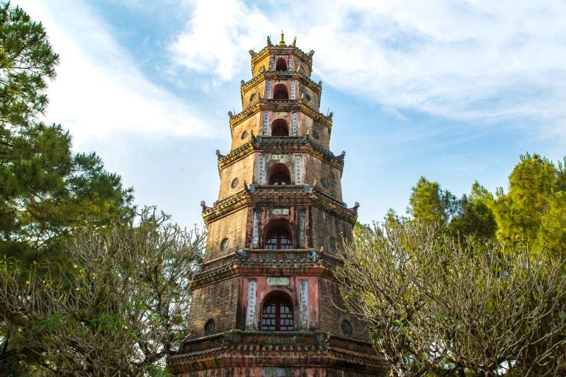 11:30 伝説の残る「ティエンムー寺」の見学