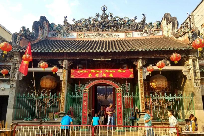 最初のチョロン観光は「天后宮(ティエンハウ廟)」