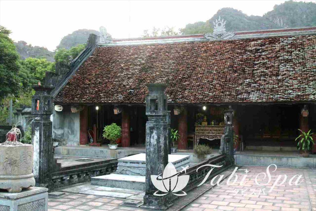 初代皇帝ディンティンホアンが眠る廟