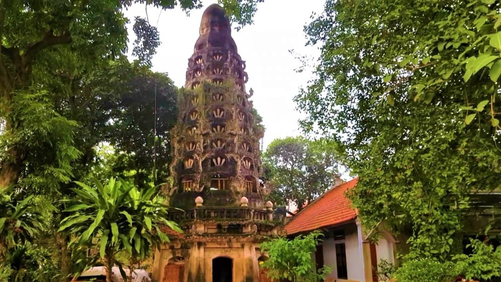 ミア寺のロータスタワー