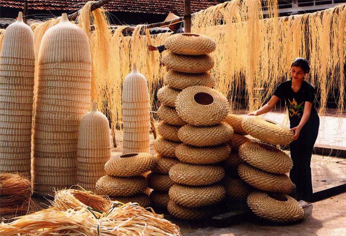 15:00 竹細工のフーヴィン村を散策