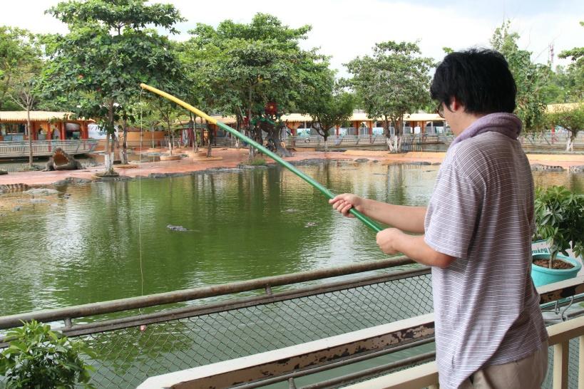 ワニ釣り体験はスイティエン公園の目玉!絶対に体験しよう