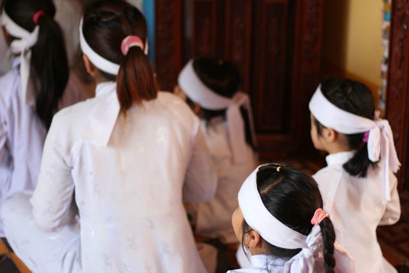 聖歌は主に子供たちが歌う